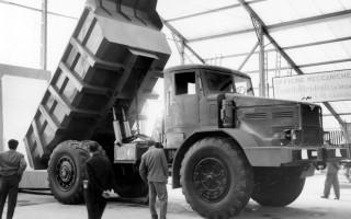 МАЗ-525 советский грузовой автомобиль большой грузоподъёмности