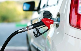 Как убрать запах бензина из салона автомобиля, несколько популярных способов