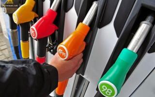 Можно ли заправлять заведенную машину бензином
