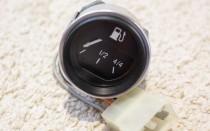 Сколько бензина остается в баке когда загорается лампочка у ВАЗ 2107, плюс таблица других марок
