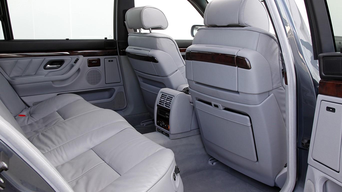 Салон BMW 7 e38 задний ряд сиденье