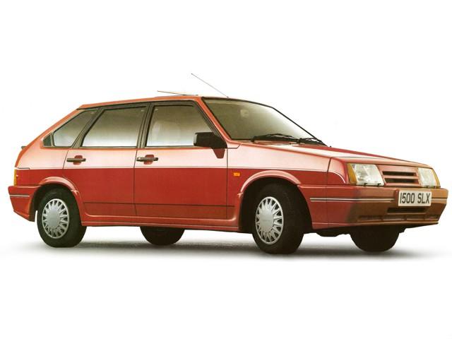 ВАЗ 2109 короткокрылая, экспортный вариант, красного цвета 2