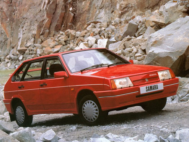 ВАЗ 2109 короткокрылая, экспортный вариант, красного цвета 3