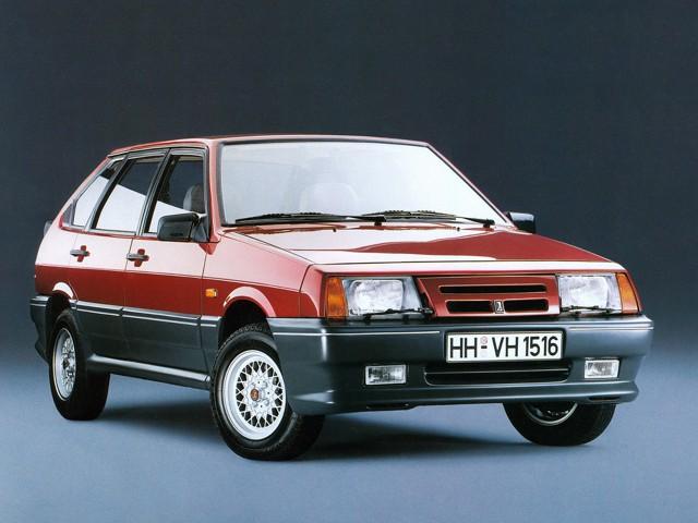 ВАЗ 2109 короткокрылая, экспортный вариант, красного цвета