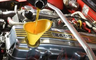Синтетическое универсальное моторное масло на базе полиальфаолефинов