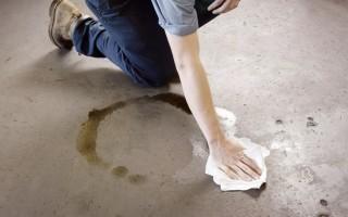 Как удалить моторное масло с бетона, несколько советов