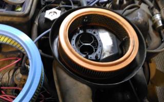 Моторное масло попадает в воздушный фильтр, причины