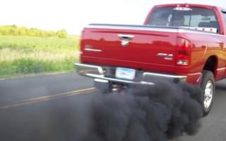 Черный дым из выхлопной трубы, бензин или карбюратор