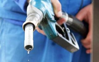 Почему нельзя заправлять полный бак бензина. Основные причины