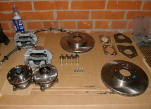 Комплект задних дисковых тормозов с необходимыми комплектующими